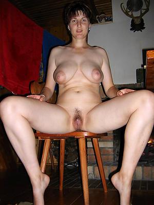 easy pics of erotic mature pussy