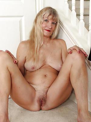 mature blonde mom posing unshod