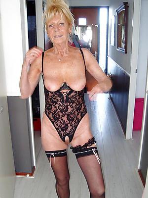 mature dilettante naked women posing revealed