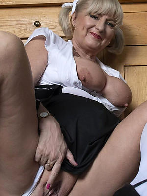 unconforming pics be required of mature pussy intemperance 50