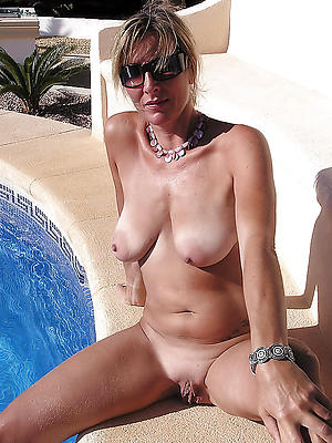 incomparable nude mature girlfriends