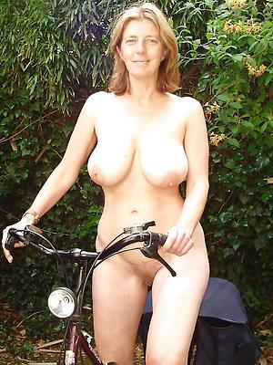 homemade solo mature women stripped