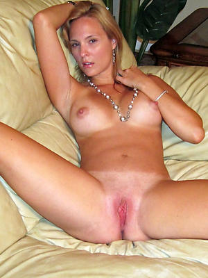 xxx solo mature women pics