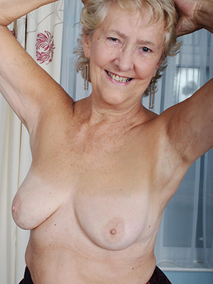 curious naked old women pics