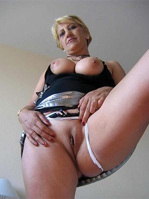 mature strata cunts porn pic download