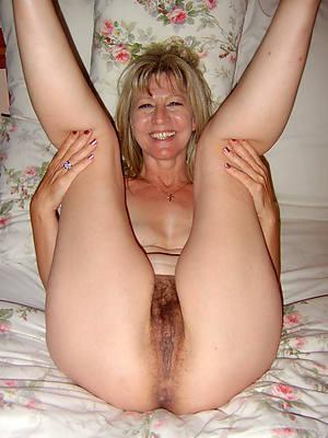 mature slut wifes posing nude
