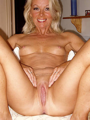 beautiful mature blonde pussy undressed images