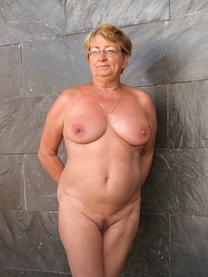 crazy white mature women nude photos
