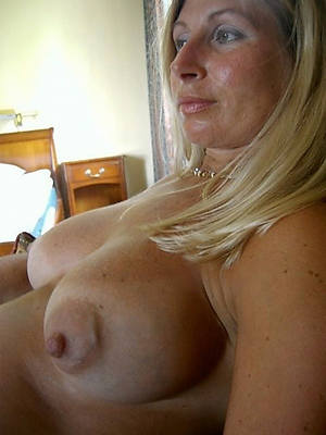 perfect mature lady boobs