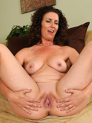 perfect mature pitch-dark pussy nude photo