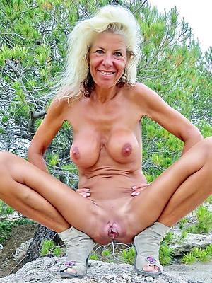 lovely nude mature vulva pics