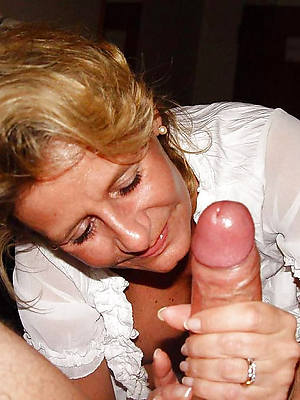 nasty mature mom handjob undressed pics