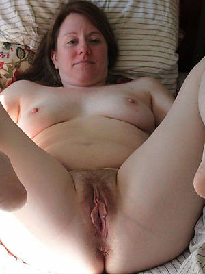 mature pussy close up stripped
