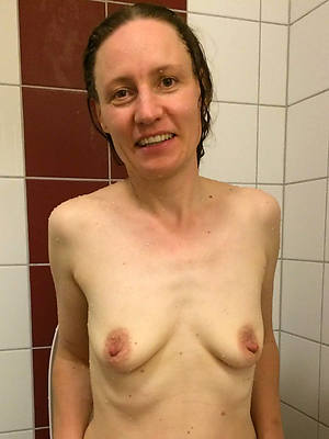 perfect skinny of age moms nude launching run