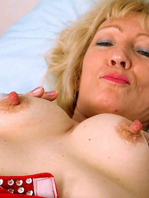 naught big nipple matures nude pics