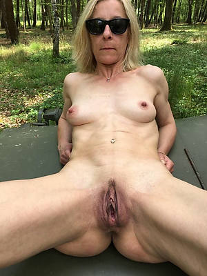 Hairy fuck mature pussy videos