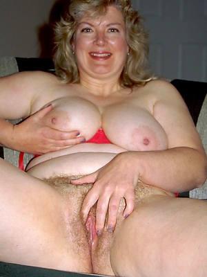 wonderful natural mature women nude pics