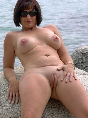 mature 40 plus posing nude