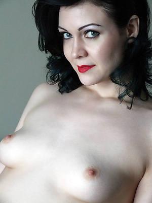 nude mature take a selfie