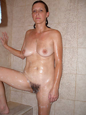 naught exposed women close to shower pics