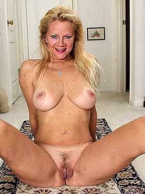 naked womens vulva stripped