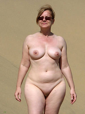 stripped chubby mature ladies stripped