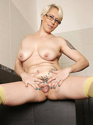 perfect mature women with tattoos nude pics