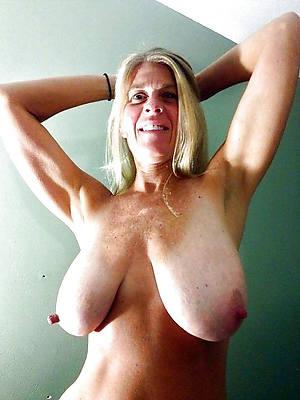 porn pics of mature saggy breasts