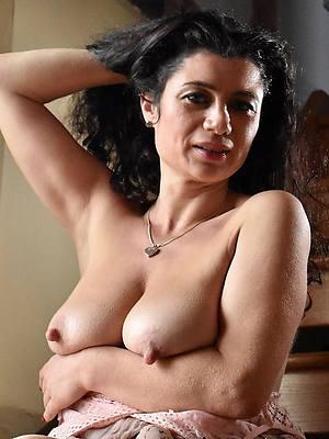 fantastic mature women at hand long nipples pics