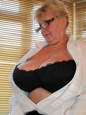 mam nude pics