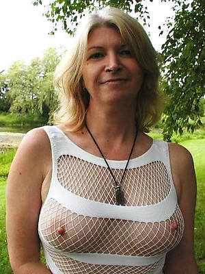 unconforming pics of mature women erotic