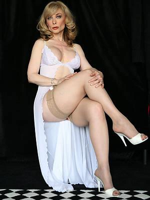 glum mature women models posing nude