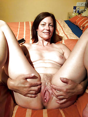 miss mature milf over 40 nude photos