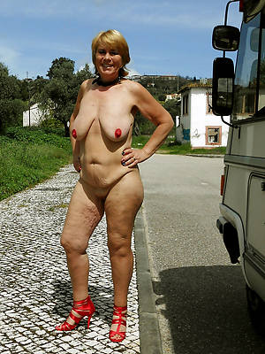 real mature wifes titties nude