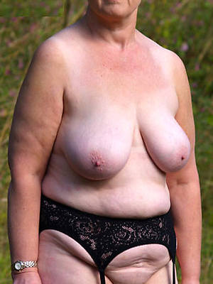 mature grandmas nude photos