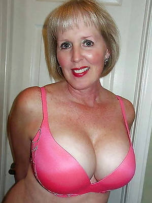 hotties mature amatuer jugs porn pictures