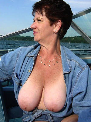 low-spirited hot mature amatuer gut nude photos