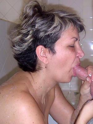 Naked mature blowjob
