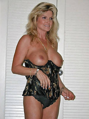 40 year old mature posing nude