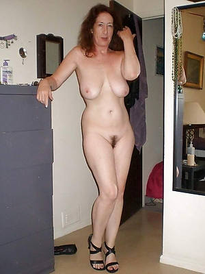 grown up milfs over 40 denude pics