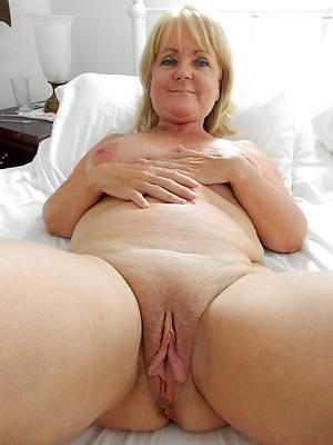 porn pics of hairy mature vulva