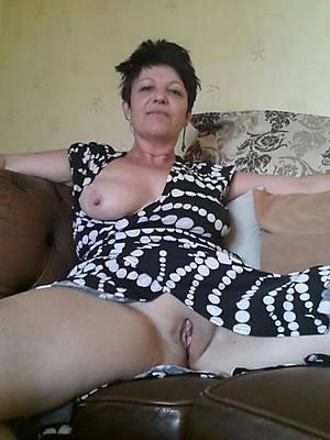 porn pics of naked mature brunette milf