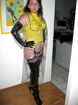 busty amatuer mature latex