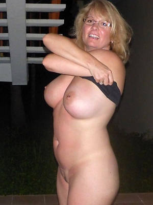mature natural moms cunt outfall