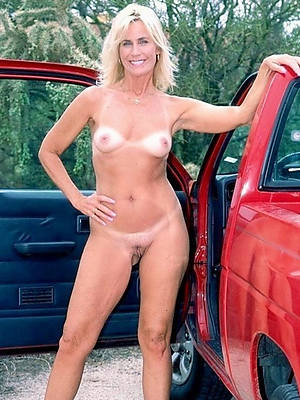 mature women with small chest naked porn pics