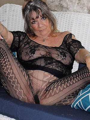 mature nylons and heels porn galleries