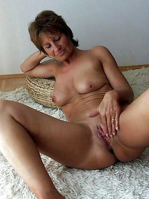 pornstar amateur XXX mature shaved pussy photos