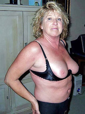 porn pics of down in the mouth mature 60 pic
