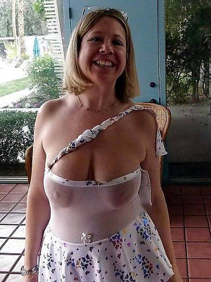 free mature solo stripped