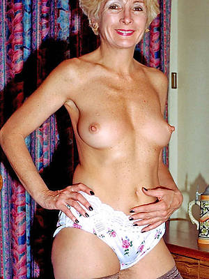 porn pics of mature stark naked mom